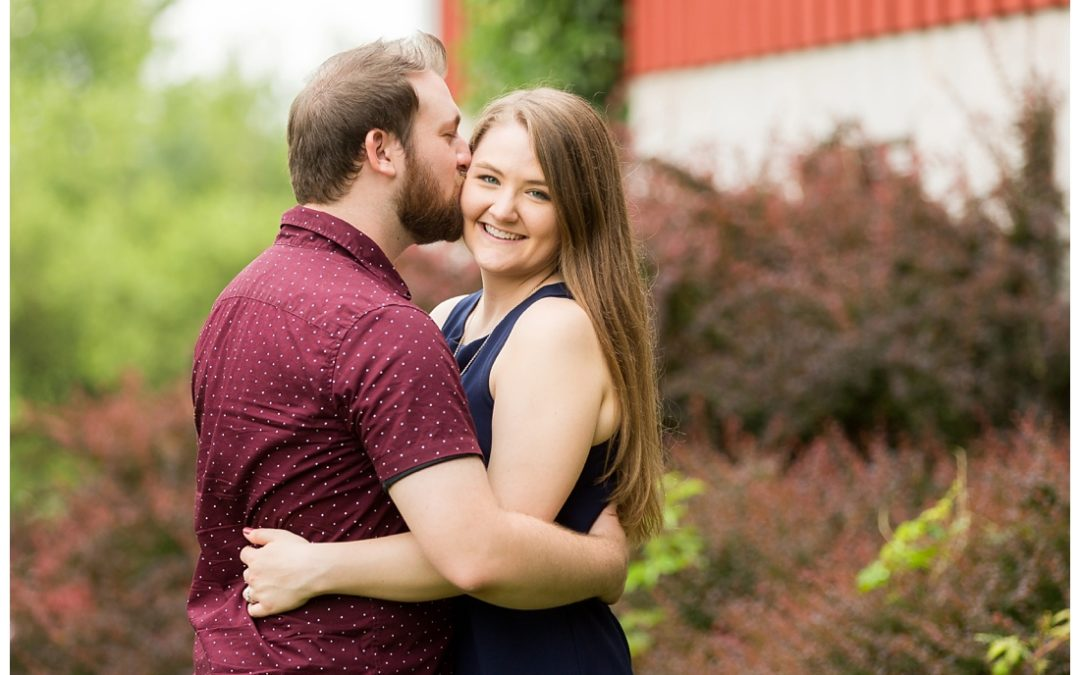 Lindsay & Steve | Larriland Farm Engagement Photos