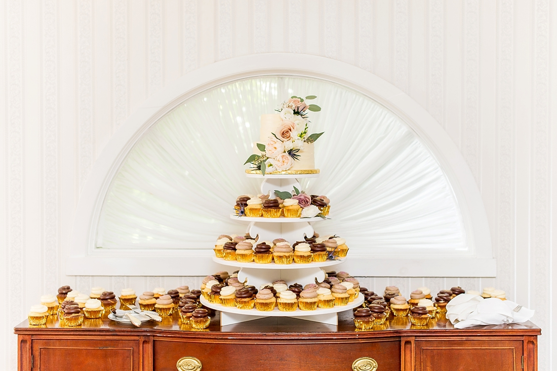 Antrim 1844 wedding. Summer wedding. 2019 couple. 2019 bride. reception decor. wedding cake. wedding cupcakes